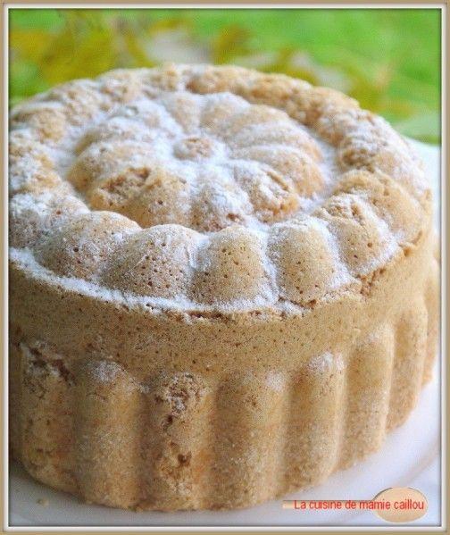 J'ai enfin trouvé un moule pour le gâteau de Savoie qui semble être à la hauteur de la mission qui lui est confiée. Il s'agit en fait d'un moule à bavarois qui convient parfaitement à la confection d'un très joli gâteau de Savoie. Si vous êtes, vous aussi,...