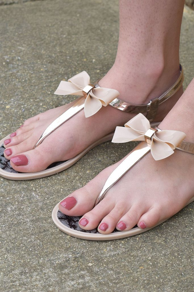 Nude bow sandals! So cute for Summer! These would be adorable to wear to a bridal shower.