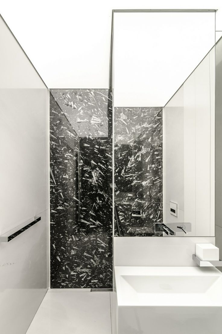 Make Photo Gallery Clean bathroom design the House P in Romania by DE Group