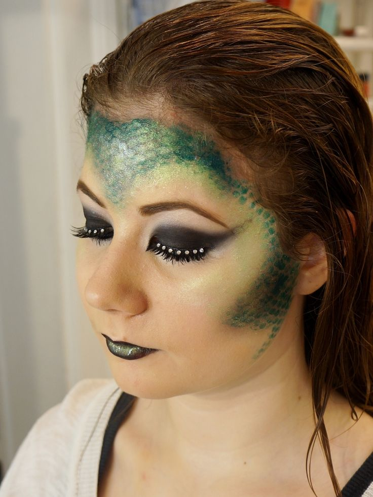 lizard makeup! I will NEED this later!!!!
