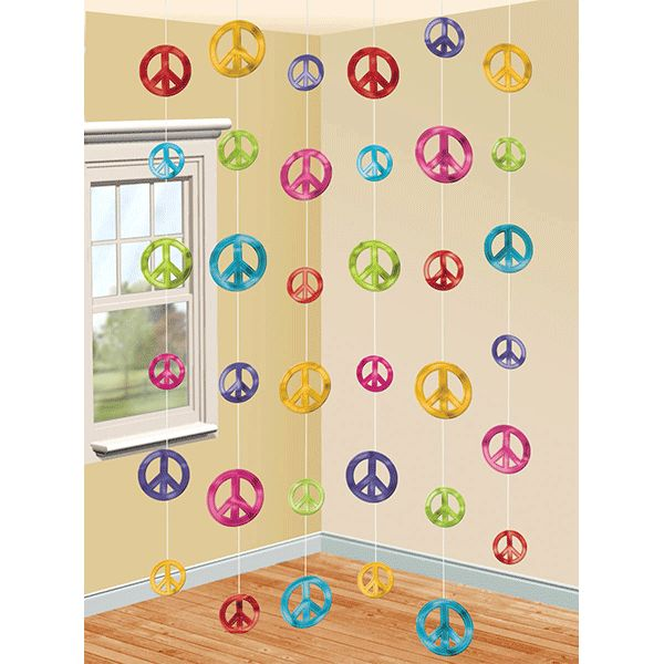 Set the scene for making love, and not war! The Feelin' Groovy String Decorating Kit is all about peace! This fun kit features strings of peace signs in varying sizes and colors. Each kit contains 6 s