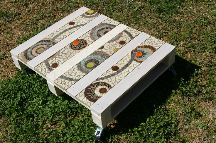 13Table basse palette