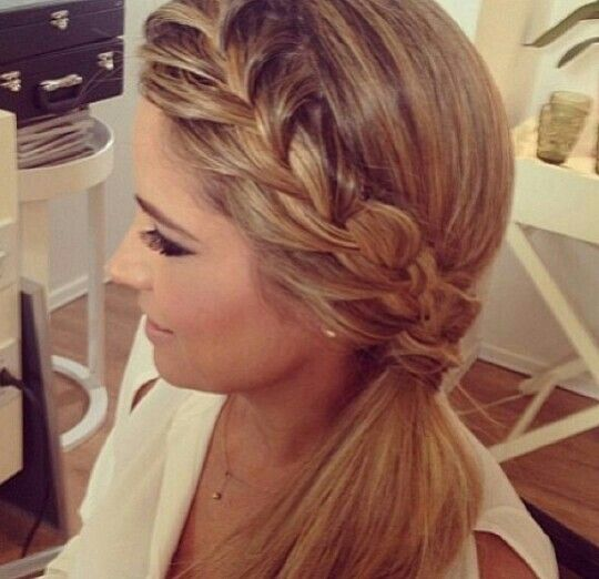 ... be a super cute and easy hairstyle for school! | hair | Pinterest