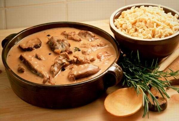 Mindenkinek van otthon egy jó vadas receptje. A nagymamától, a déditől, attól a kedves szomszédasszonytól, aki mindig olyan jókat főz. Bemutatjuk a legjobb vadas variációkat!