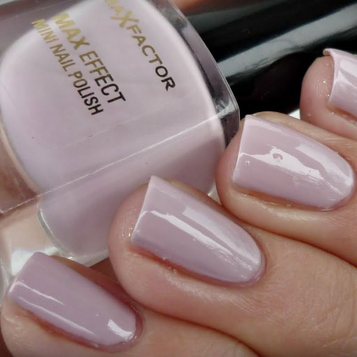 These romantic soft purple nails are great for any occasion. Get an instant sweet look with only one gorgeous shade of nail polish.