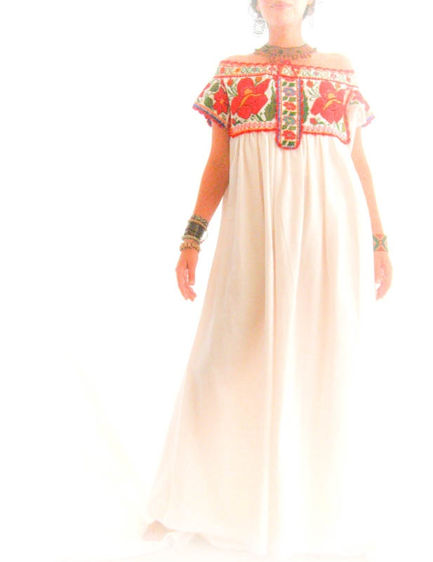 Mexican embroidered wedding dress i love color pinterest for Color embroidered wedding dress