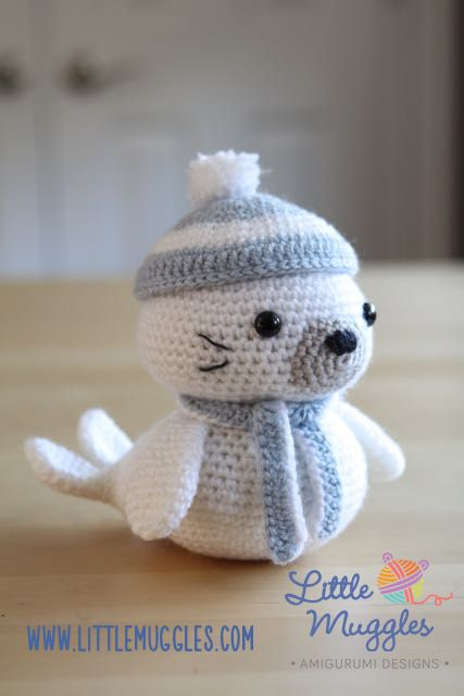 Sammy the Baby Seal - Free Amigurumi Pattern here: http://www.littlemuggles.com/free-patterns-3/sammy-the-seal/