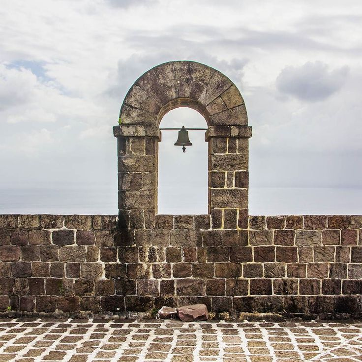 The bell at Brimstobe Hill Fortress of Saint Kitts. More photos and a story of our day on Saint Kitts at the blog: globecalledhome.net  #brimstone #brimstonehill #brimstonefortress #stkitts #visitstkitts #caribbean #karibia #unesco #worldheritage #maailmanperintökohde #travel #matka #reissu #nordicnomads #saintkitts #cruise #risteily (via Instagram)