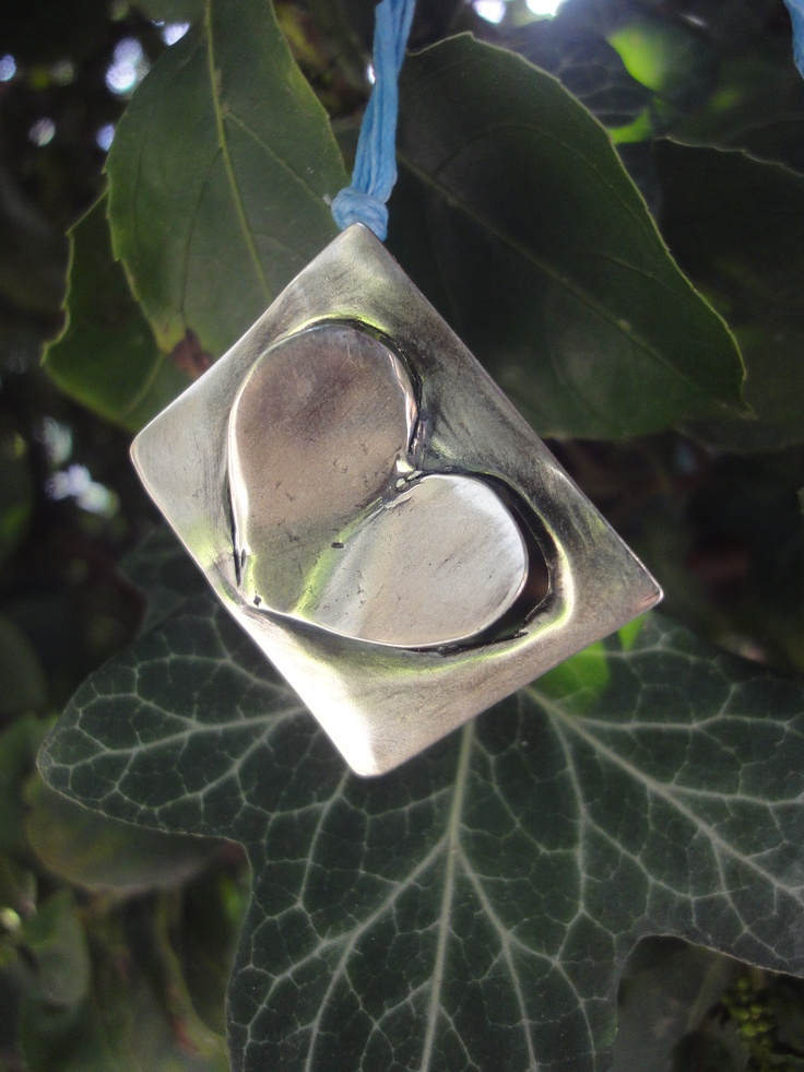 leaning  heart  925 silver