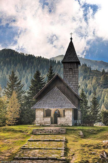 Chapel in Nassfeld Mountains on the border to Italy, Carinthia, Austria