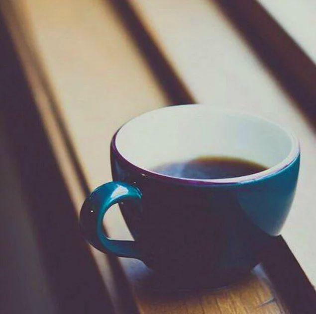 Если ваш кофе остыл, не стоит его подогревать, вкусным он уже не будет.  С людьми так же...