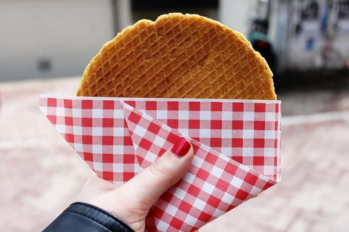 There are many Dutch delights which must be tried at least once. Here's a list of 10 foods you should be sure to sample! This is Part I in our Dutch Foods series.