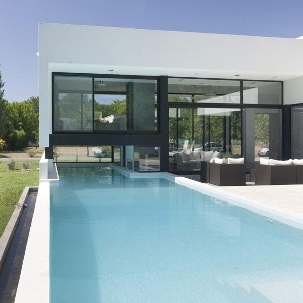 Architecture, Black And White Contemporary Family House: Long Swimming Pool With White Deck Edge
