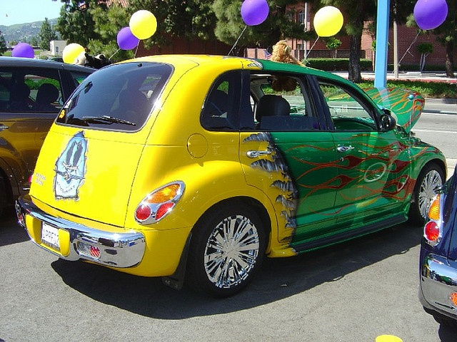 PT Cruiser car show picture