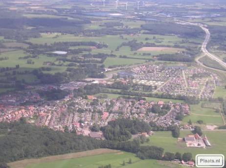 De Lutte vanuit de lucht. Binnenkort meer foto's van De Lutte vanuit de lucht door Tessa olde Riekerink en Huub Brookhuis (piloot).