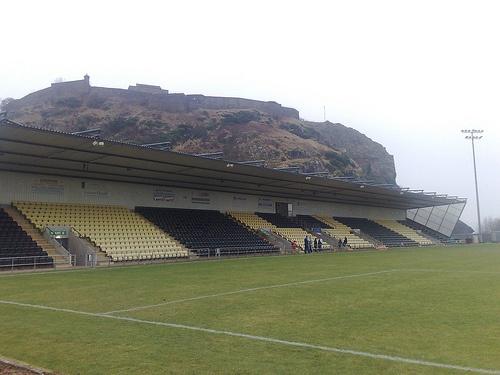 Dumbarton - Strathclyde Homes Stadium - Schotland. 2011. Wedstrijd: Dumbarton - Forfar Athletic.
