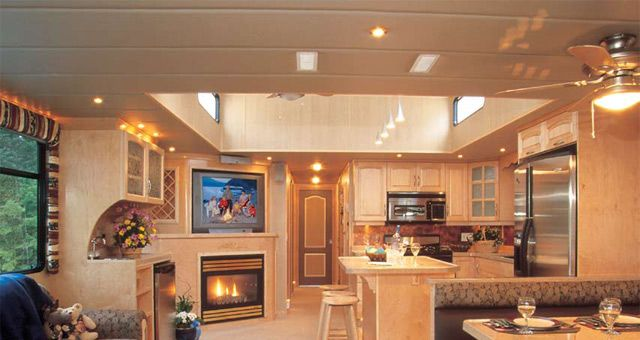 House Barges for Sale Louisiana   Luxury Houseboat Manufacturers, Boats For Sale