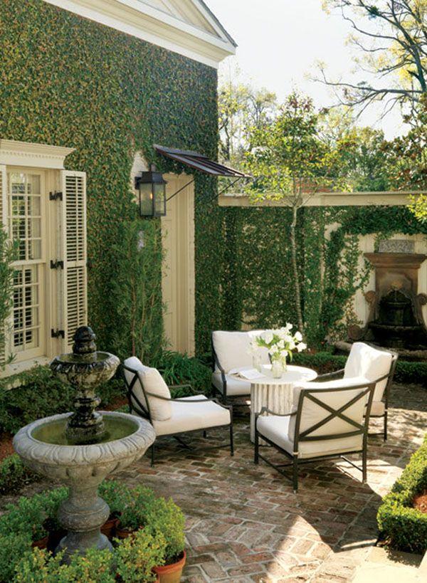 Design Focus: How To Create An Outdoor Room http://www.simplifyingfabulous.com/blog/2013/05/08/design-focus-how-to-create-an-outdoor-room/