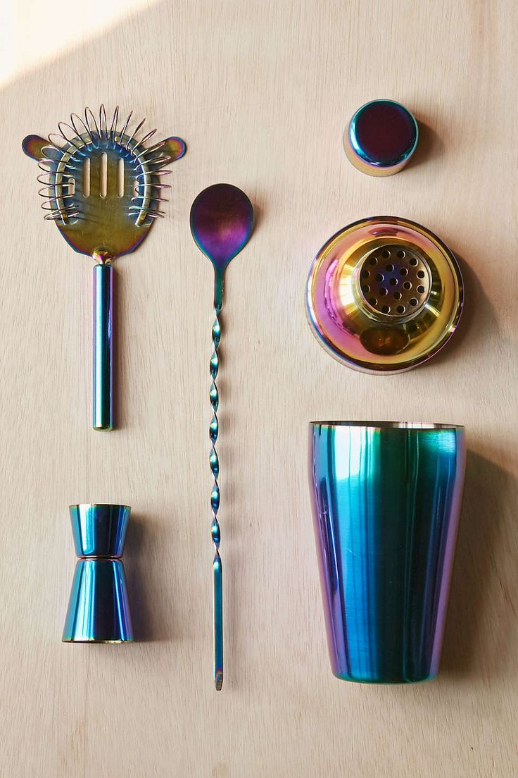 Electro Barware Kit - Urban Outfitters - it's like that SBUX cold mug I couldn't resist last Spring!! hnnnggggggh