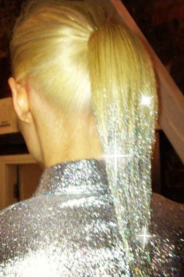 I'm going to dip the ends of my curly hair into silver glitter for #whitewonderland!