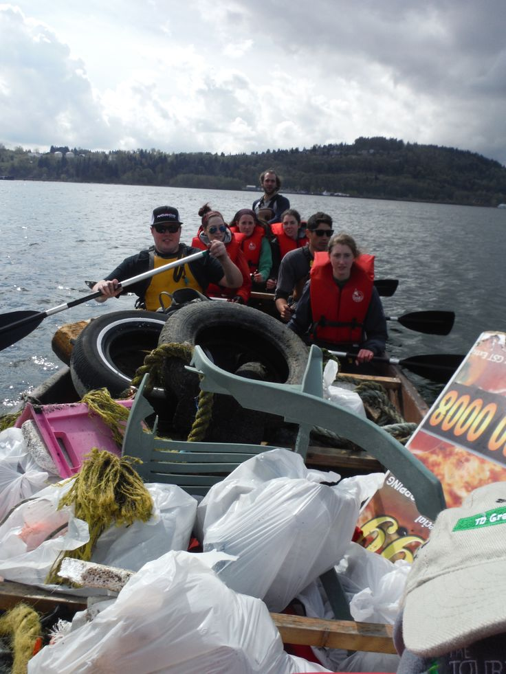 Weekend beach cleanup - amazing the difference a few volunteers and a voyageur canoe can make!  #yvr #pnw #beach #reckies