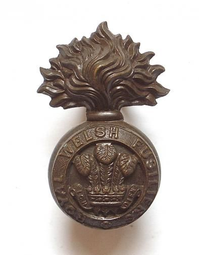 Royal Welsh Fusiliers WW1 OSD bronze Officer's cap badge.