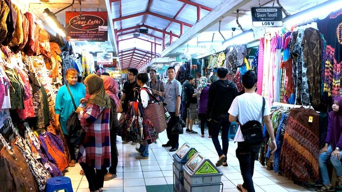 Batik shopping  Try your bargaining skills in Beringharjo Market. (photo by Edna Tarigan)