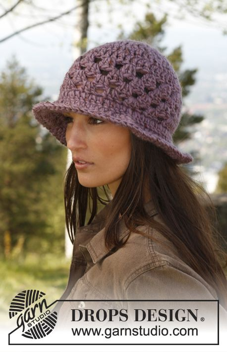 "Cappello DROPS all'uncinetto, in ""Eskimo"". ~ DROPS Design"