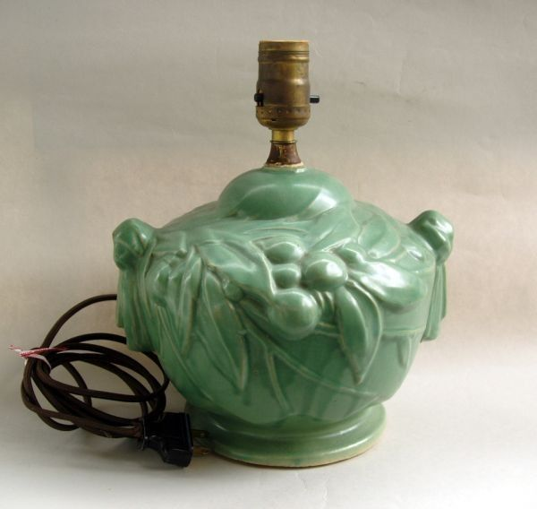 Exquisite McCoy matte green stoneware leaves and berry lamp