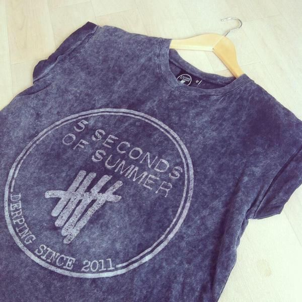 Primark are now selling these 5sos shirts in the UK!