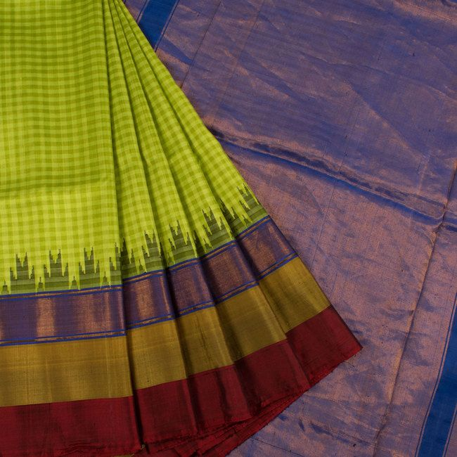 Handwoven Green Gadwal Kuttu Silk Saree With Checks, Multicolour & Temple Border 10018425 - AVISHYA.COM