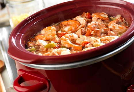 This delectable, slow-cooked version of atraditional New Orleans-style dishfeatures chicken, kielbasa and shrimp in a bed of rice that's been seasoned withCreole seasoning, green pepper, celery and diced tomato.