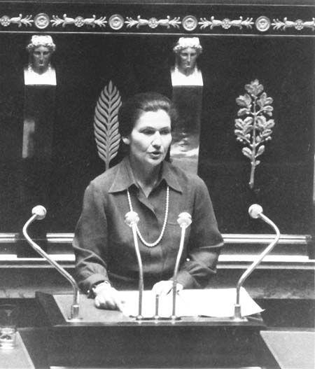 Simone Veil à l'assemblée nationale.
