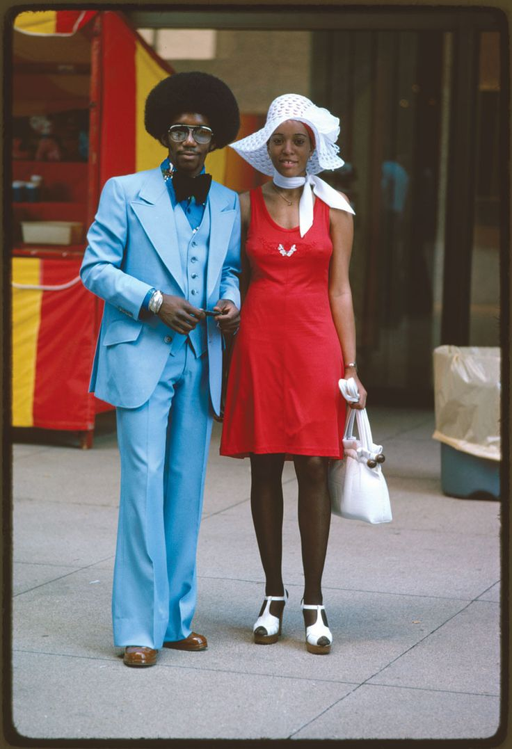 """""""Michigan Avenue, Chicago"""" (couple on street) Perry Riddle, Chicago, IL, July 1975. (National Archives, DOCUMERICA)"""