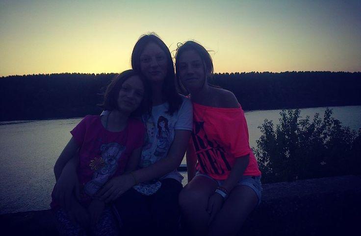 #sisters #loove #chill #riverSava #snafupic. #me #food