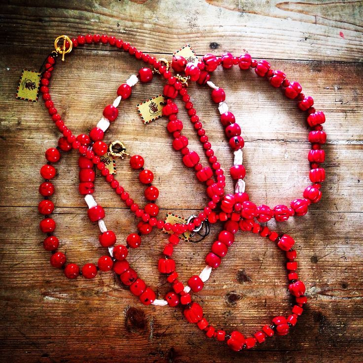 Collane by Salamastra in corallo bambù.  ---   Necklaces by Salamastra in bamboo coral.  Perfect for summer occasions.