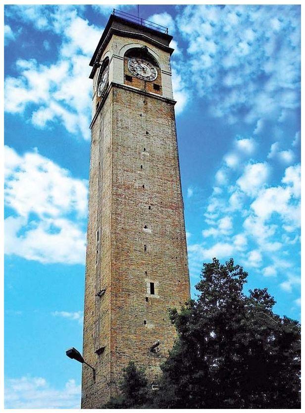 Adana seyahatinizde şehrin simgelerinden olan ve Türkiye'nin en uzun saat kulesi olan  Büyük Saat Kulesi'ni görmeyi ihmal etmeyin! // When you are visiting Adana, do not pass over the Great Clock Tower which is one of the symbols of the city and the tallest clock tower in Turkey!