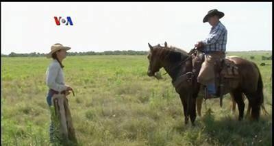 Seperti apakah hidup sebagai cowboy atau tinggal di peternakan di pedesaan AS? Sekarang orang bisa mencoba mencicipi hidup di ranch, berkat wisata dan program magang yang ditawarkan oleh sejumlah peternakan. Simak dalam liputan tim VOA berikut ini.  Di YouTube: https://youtu.be/WAbdyfxU6sc