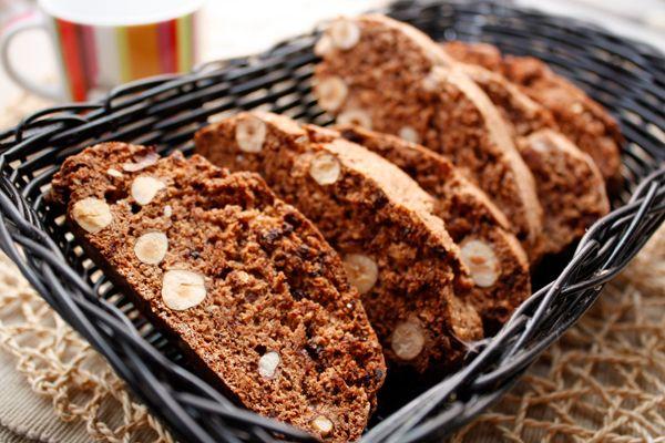 Шоколадные бискотти с фундуком http://amp.gs/Y7hK  #foodclub #рецепт #вкусно #завтрак #чаепитие #дети