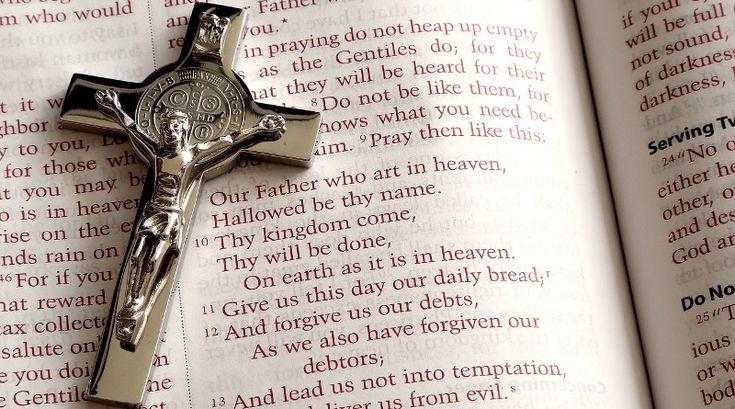 Ojcze nasz po łacinie. Modlitwy po łacinie. Modlitwa pańska po łacinie. Tekst i wymowa. http://lacina.globalnie.com.pl/ojcze-nasz-po-lacinie/