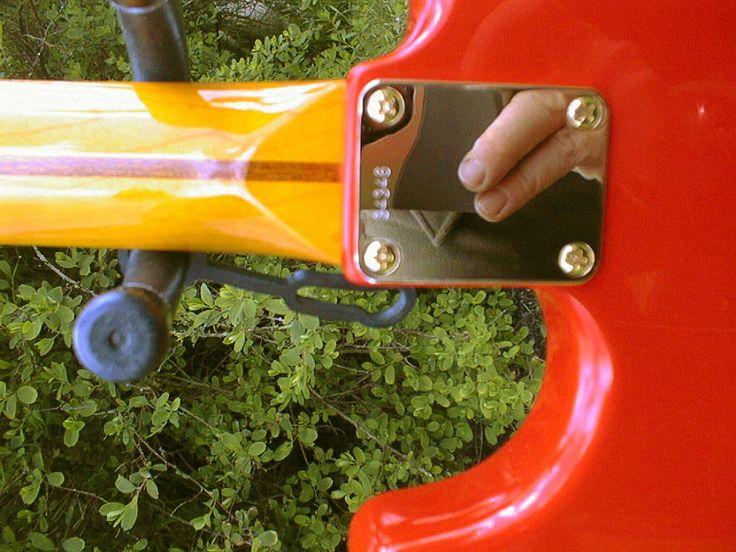 Hank Marvin 1959 Stratocaster replica by Matt Sanders from Fender parts