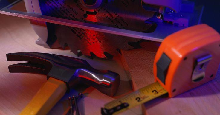 Piezas de repuesto para herramientas eléctricas Craftsman. Craftsman es la marca de herramientas comercializadas por Sears. Entre las herramientas eléctricas se incluyen algunas neumáticos, eléctricas e inalámbricas. Pueden abarcar una amplia variedad de herramientas tales como taladros básicos del hogar y sierras de grado industrial. Las piezas de repuesto disponibles para los dispositivos dependen de la ...