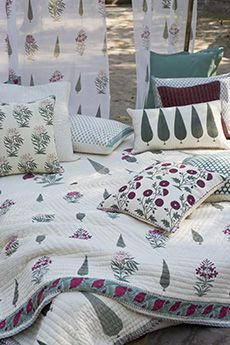 Bagh E Khanum | Bed Collection | Goodearth.in