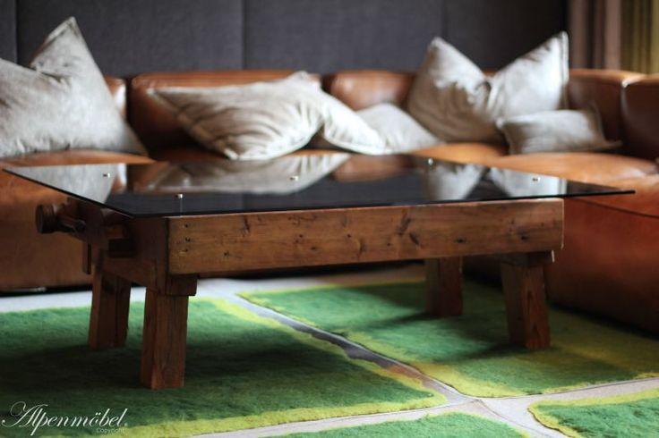 Alpenmöbel Couchtisch   Eine Antike Hobelbank Verwandelt In Einen  Hochwertigen Couchtisch. Jeder Tisch Ist Ein