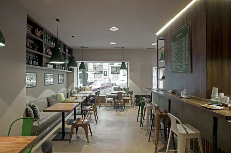 Taking the new-wave café style on the level of expertise, the POSITION Collective's project on the My Green Cup interior catches the attention of both coffee and design spotters. Home away from home for any caffeine-lover, My Green Cup is a recent flag on the map of big-city coffee landscapes. The café treats visitors with specialities on Pozsonyi út, a busy and hip area on the Pest side of Budapest.
