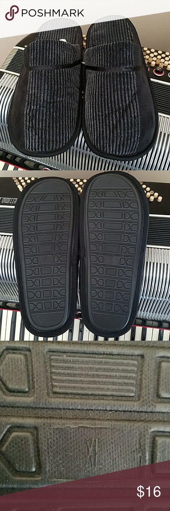 NWOT-Men's BLACK COURDAROY SLIP ON SLIPPERS Men's BLACK COURDAROY SLIP ON SLIPPERS.  Size XL  12-13 Shoes Loafers & Slip-Ons