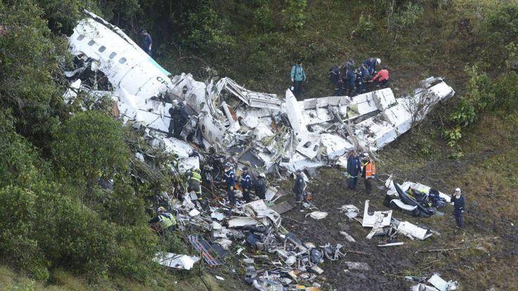 Entre los pasajeros se encontraban los futbolistas del club brasileño Chapecoense, cuyo destino era la final de la Copa Sudamericana, en Medellín.