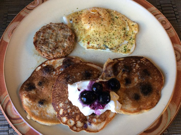 Kim's Fluffy & Moist Blender Pancakes - S. [3 eggs,  1 c cottage cheese,  1/3 to 1/2 cup almond milk,  1 tsp vanilla,  1 cup THM baking blend,  1 T THM Super Sweet,  1 tsp cinnamon,  2 tsp baking powder,  1/4 tsp mineral salt, blend then add  2 T coconut oil, melted]