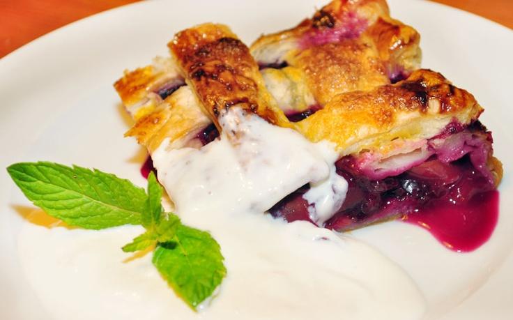 Torta de blueberry e nectarina com Creme light de queijo