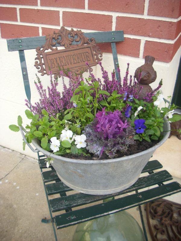 17 meilleures id es propos de pots de fleurs automnales sur pinterest fleurs en pots - Idee composition jardiniere exterieure ...